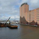 Hamburg an der Elbphilharmonie